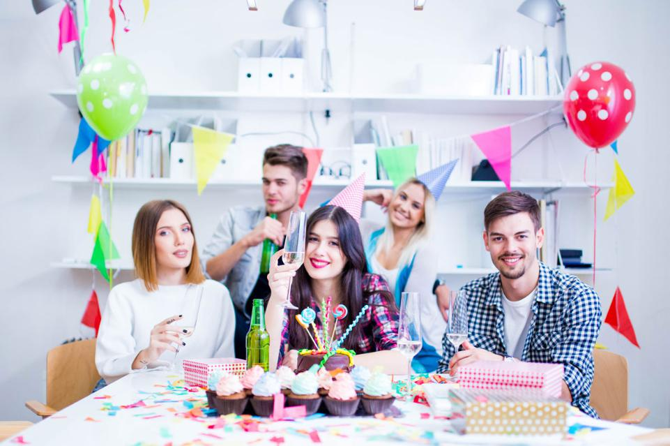 Tips to Plan a Classic Birthday Party for your Office Colleague!