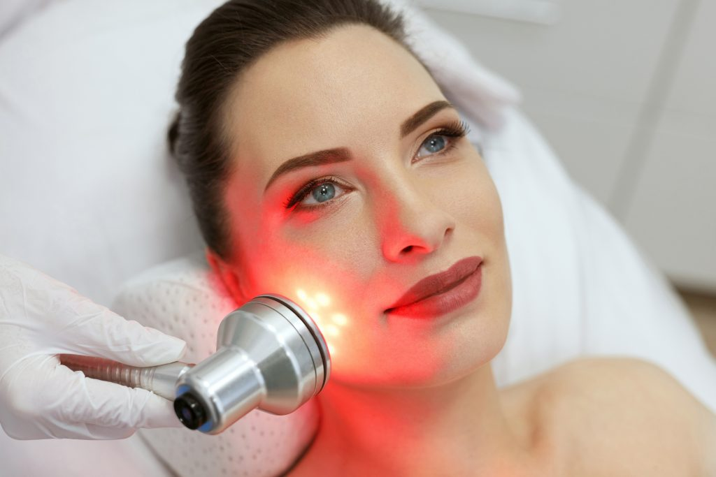 LED Light Therapy for Skin [You should try this in 2021]