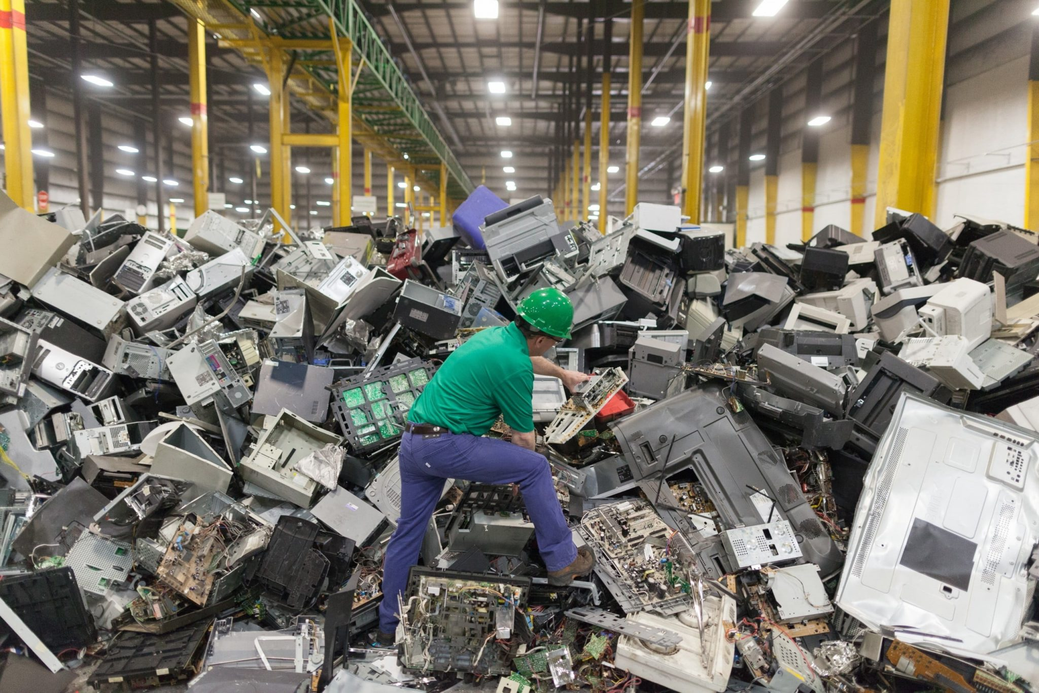 The Proper Way To Reuse And Recycle Electronic Parts