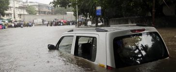 A Guideline what to do if the car gets stuck in a flood